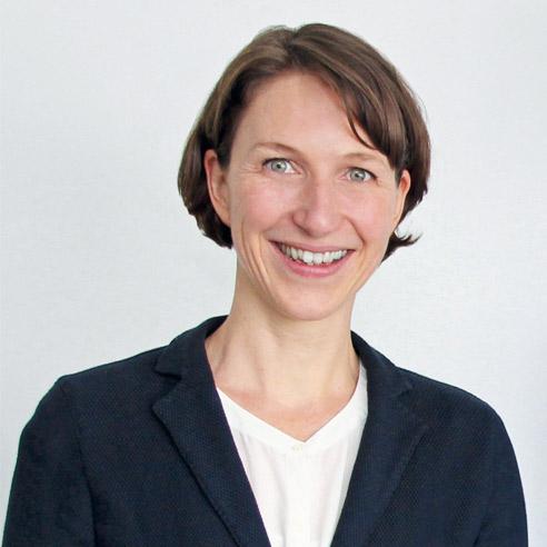 Claudia Straßer
